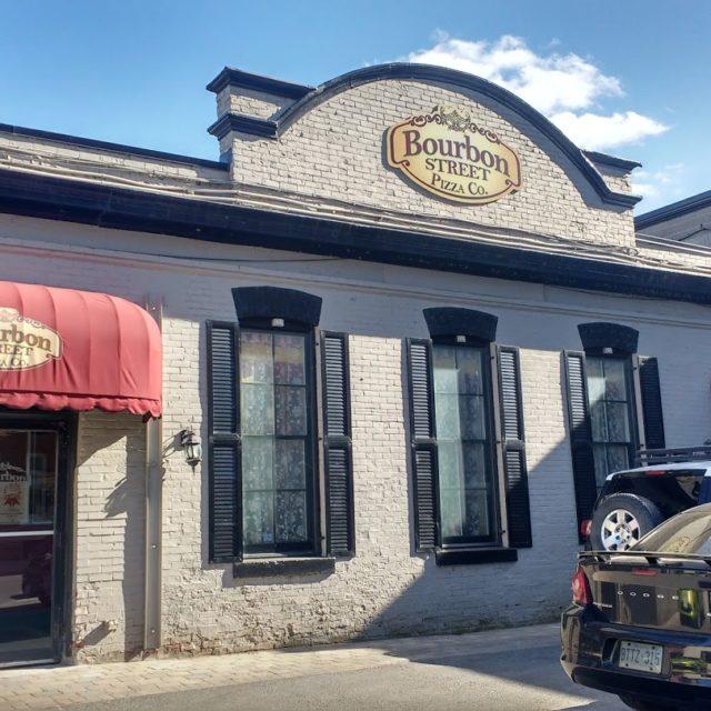Bourbon Street Pizza Co. - Photo by Jennifer M.